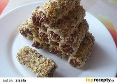 Ořechové trubičky s nutellovým krémem recept - TopRecepty.cz Krispie Treats, Rice Krispies, Nutella, Advent, Desserts, Food, Tailgate Desserts, Deserts, Essen