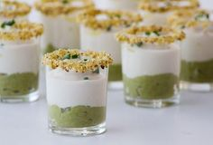 shot of green asparagus cream with bacon and cauliflower puree Appetizers For Party, Appetizer Recipes, Aperitivos Finger Food, Cooking Time, Cooking Recipes, Small Meals, Mini Foods, Food Humor, Quiches