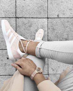 ADIDAS Gazelle, Schuhe Mädels http://www.titus.de/SID=sia73f049587c8f7ba50654ea9b1e574/produkt/612382-adidas-Gazelle-Schuhe-Maedels-white-white-gold.html