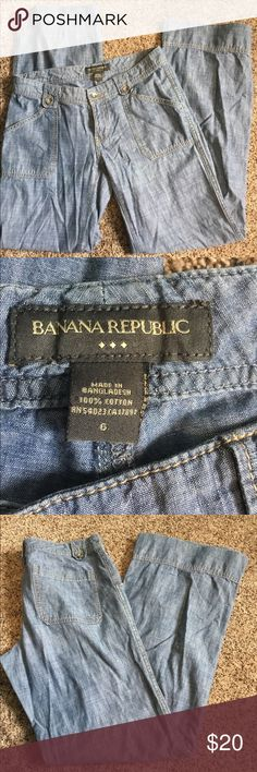Banana Republic Casual Pant Gorgeous wide leg casual pant with light denim look. 100% Cotton. Size 6. Smoke Free Home Banana Republic Pants Wide Leg