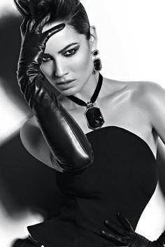 Black and white B&W photography // karen cox. Beautiful in Black