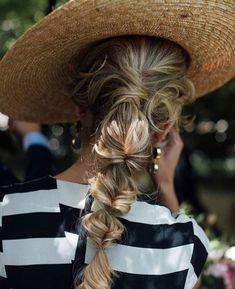 New hair styles braided messy 57 ideas Pretty Braided Hairstyles, Messy Hairstyles, Wedding Hairstyles, Hair Day, New Hair, Gorgeous Hair, Hair Looks, Curly Hair Styles, Hair Makeup