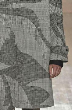patternprints journal: PRINTS, PATTERNS AND DETAILS FROM RECENT LONDON FASHION WEEK (MENSWEAR SPRING/SUMMER 2015) / Alexander McQueen.