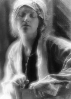 The Dream, 1910, Imogen Cunningham- she was from seattle.  she and her friends would go out to Bainbridge island and took photos.  called themselve bohemians :)