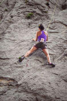 Parker med Bedehuset på Olset. Når ein går oppover, ser du klatreveggen på høgre side, går du heilt på toppen vil du oppleve ei nydeleg utsikt. Rock Climbing Rope, Activities, Outdoor, Vertigo, Woman, Outdoors, Outdoor Games, The Great Outdoors