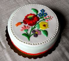 New cupcakes decorados mexicanos Ideas Gorgeous Cakes, Amazing Cakes, Fun Cupcakes, Cupcake Cakes, Bolo Floral, Hungarian Cake, Single Tier Cake, Bithday Cake, Cake Gallery