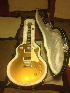 Gibson Les Paul Standard Traditional Electric Guitar Gold Top Included