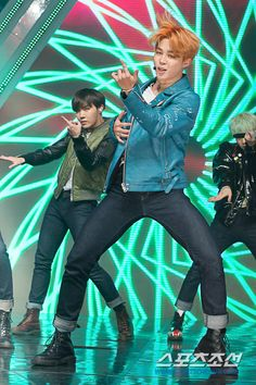 [Picture/Media] BTS at Simply Kpop [151225] | btsdiary