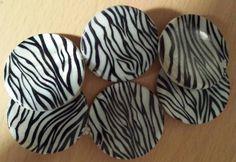 """Zebra Print Disc Bracelet 7 1/2"""" Stretch $10"""