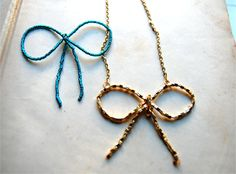 studs and pearls: DIY: Beaded Bow Necklace