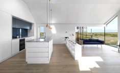 http://www.archidesignclub.com/magazine/rubriques/architecture/46523-guy-hollaway-architects-pobble-house.html