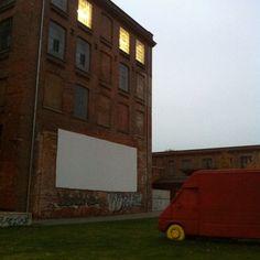 Open-Air-Kino auf dem Gelände der alten Baumwollspinnerei #Leipzig im #Sommer, Germany