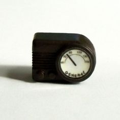 Miniatures and dollhouse accessories on Etsy - Miniature Bakelite-look Radio