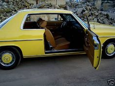 Mercedes in 624 Gelb (Yellow) Mercedes 220, Mercedes Benz Amg, Commercial Van, Mercedez Benz, Daimler Benz, Classic Mercedes, Cars And Motorcycles, History, Yellow