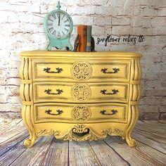 Goldenrod, Beeswax, and Black Walnut Glaze created this sunny piece by @sunflowerrelicsllc 🌻#wiseowlpaint #yellow #painted #furniture #dresser #wiseowlglaze #blackwalnut
