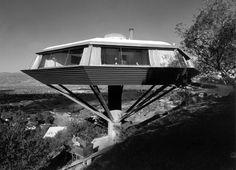 ARTIST: Julius Shulman TITLE: Chemosphere House, Los Angeles, CA (John Lautner, architect) DATE: 1960 MEDIUM: recent chromogenic print