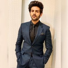 Image may contain: 1 person, suit Bollywood Suits, Bollywood Actors, Bollywood Celebrities, Bollywood Fashion, Handsome Celebrities, Handsome Actors, Indian Celebrities, Handsome Boys, Indian Men Fashion