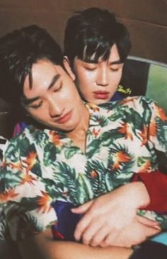 Hot Asian Men, Cute Asian Guys, Cute White Boys, Pretty Boys, V Instagram, Theory Of Love, Bright Pictures, Cute Gay Couples, Thai Drama