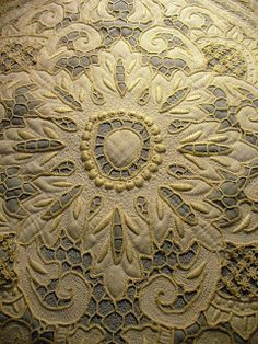 Cindy Needham: Quilting with vintage lace/linens