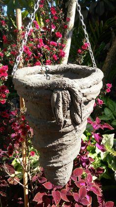 Best 12 Hypertufa baskets – Artofit – Page 357965870382883253 – SkillOfKing. Diy Concrete Planters, Cement Art, Concrete Crafts, Concrete Projects, Concrete Garden, Diy Planters, Garden Crafts, Garden Projects, Cement Flower Pots