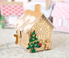 Make Gingerbread houses with the Gingerbread house die from @tonicstudiosuk! / Christmas / craft / papercraft / scrapbooking / christmas crafting