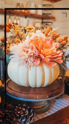 Pumpkin Vase, Pumpkin Centerpieces, Fall Centerpiece Ideas, Faux Pumpkins, Thanksgiving Decorations, Fall Decorations, Simple Halloween Decorations, Halloween Home Decor, Fall Home Decor
