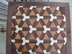 Impossible # 3 This would make an intersting bar counter top Woodworking Tutorials, Learn Woodworking, Woodworking Furniture, Woodworking Plans, Diy Cutting Board, End Grain Cutting Board, Wood Cutting Boards, Got Wood, Wood Patterns