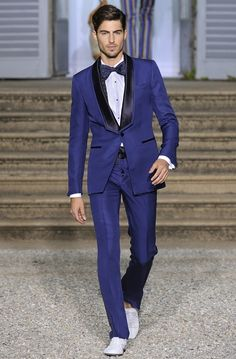 Cheap custom made, Buy Quality men wedding directly from China blue tuxedo Suppliers: FOLOBE Custom Made Royal Blue Tuxedo Men Wedding Suits Groom Formal Business Suits Party Suits Blazer+Pants+Vest Best Suits For Men, Cool Suits, Mens Suits, Men's Tuxedo Wedding, Wedding Suits, Wedding Tuxedos, Wedding Groom, Costume Marie Bleu, Party Wear Blazers