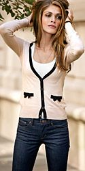 Cute cardigan with bow pockets