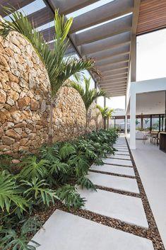 Tropical landscape design home 68 ideas Tropical House Design, Tropical Home Decor, Tropical Houses, Tropical Colors, Tropical Interior, Tropical Furniture, Garden Landscape Design, Small Garden Design, Tropical Landscaping