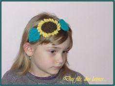 """Headband - bandeau - serre-tête enfant élastique """"Tournesol et ses feuilles"""" tricoté, sunflower knit children headband : Accessoires coiffure par des-fils-des-laines"""