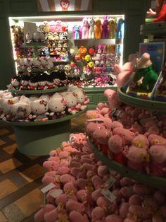Harrods - Knightsbridge - London - Toys - Fixtures - Layout - Landscape - Customer Journey - Lifestyle - Visual Merchandising - www.clearretailgroup.eu