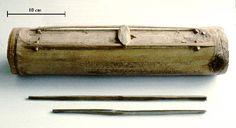 Idiochord tube zither takumbê  of the Agusan Manobo.  (Collection Linda Burton)