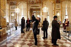 Opulent Hotel Crillon bids farewell to treasures at Paris auction | Reuters