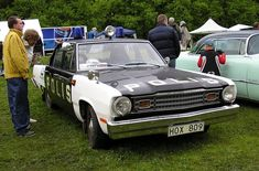 1974 Swedish police Valiant (Canadian-built export version) with headlight bezels removed to clear added headlight wipers Swedish Police, Emergency Vehicles, Police Vehicles, Old Police Cars, Plymouth Valiant, Police Uniforms, Ford Falcon, Ambulance, Fire Trucks