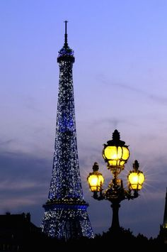 La Tour Eiffel at Christmas via: The Romantic Styles Of Shabby Chic And Paris Apartment Facebook
