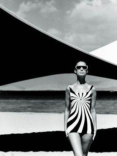 Op Art swimsuit by Sinz Vouliagmeni, photo by F.C. Gundlach, Greece 1966 #graphic #blackandwhite #swim