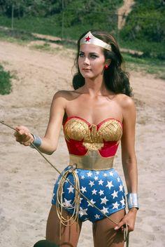 Linda Carter - I loved Wonder Woman! Linda Carter was my idol! - Game Of Thrones // Games and Movies World // Welcome Wonder Woman Art, Wonder Woman Photos, Wonder Women, Linda Carter, Costume Halloween, Halloween Outfits, 90s Costume, Disfraz Wonder Woman, Super Hero Costumes