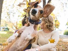 Dog Photobombs His Parents' Engagement Photo, with Hilarious Results   People