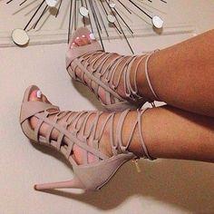 The Curvy Fashionista @thecurvyfashionista_ Love these shoes ...Instagram photo | Websta (Webstagram)