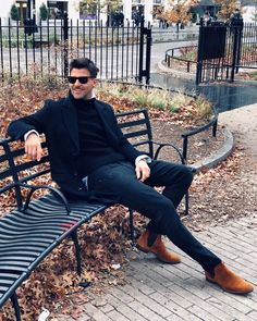 """""""New Yok, concrete jungle where dreams are made of, there's nothing you can't do. New York Outfits, Stylish Mens Outfits, Casual Outfits, Fashion Outfits, Men's Outfits, Johannes Huebl, Casual Chic, Men Casual, New York Photos"""
