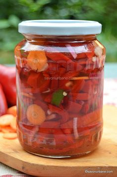 borcane Canning Pickles, Romanian Food, Romanian Recipes, Stuffed Hot Peppers, Dessert Bars, Veggies, Food And Drink, Cooking Recipes, Homemade
