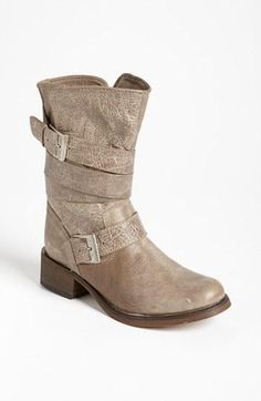 Steve Madden 'Brewzzer' Boot (Online Only) available at Cute boots! Ugg Winter Boots, Snow Boots, Carrie Bradshaw, Crazy Shoes, Me Too Shoes, Zapatos Shoes, Shoes Sandals, My Bebe, Uggs For Cheap