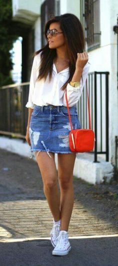 Denim pencil skirt white long sleeve n sneakers with red purse red lips outfit c. Denim pencil skirt white long sleeve n sneakers with red purse red lips outfit casual con falda de mezclilla. Denim Pencil Skirt, Denim Mini Skirt, Mini Skirts, Mode Outfits, Trendy Outfits, Fashion Outfits, Fashion Tips, Short Girls Outfits, White Girl Outfits