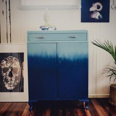 This tallboy dresser received an amazing look by Polly Coulson of Vintage Village LIfe, our Stockist in Buderim, Queensland, Australia. This unique 'wave' finish was created using a blend of Duck Egg Blue, Provence and Napoleonic Blue Chalk Paint® decorative paint by Annie Sloan!