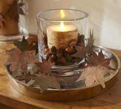 Christmas candle arrangement with acorns