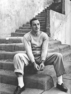 Gene Kelly, photo by Alfred Eisenstaedt for LIFE magazine Gene Kelly, Fred Astaire, Hooray For Hollywood, Hollywood Stars, Vintage Hollywood, Classic Hollywood, An American In Paris, Life Magazine, Famous Faces
