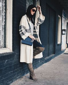 A cozy cardigan is a fall essential, do you agree? Casual Fall Outfits, Winter Fashion Outfits, Fall Winter Outfits, All Fashion, Autumn Winter Fashion, Spring Fashion, Winter Style, Austin Texas Style, Autumn Clothes