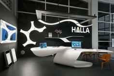 Referencias - Sala de exposición - ˙ţEl stand de este ańo fue concebido en tesitura a Light+Building 2012 con un simple y elegante diseńo. El diseńo del stand y de los muebles, hechos de corian, estuvieron a cargo del arquitecto ...