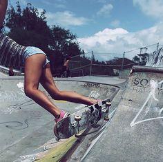 Movin' and groovin.' || @lyssielooloo #skate #skater #skateboard #skateboarding #skatepark #bowl #skatetolive #hawaiianstyle #808 #localgrown #hawaii #hilife #movin #groovin #grooving #groove #babe #bronzedbabe #legsfordays #girlswhoskate #badass